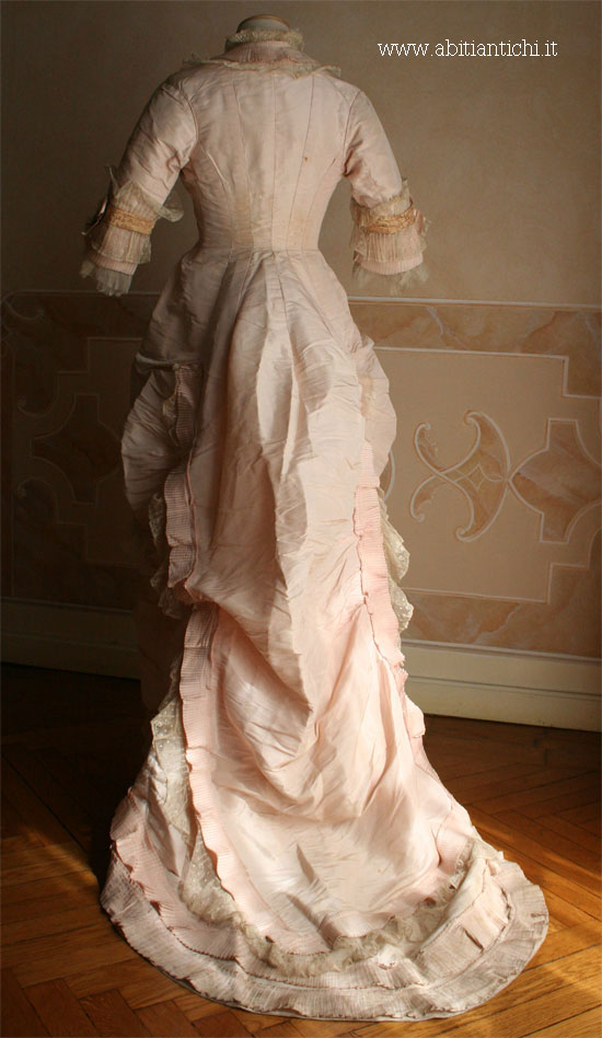 abito96 5 - Wedding Dresses - 5 Easy Steps Towards Your Dream Wedding Gown!